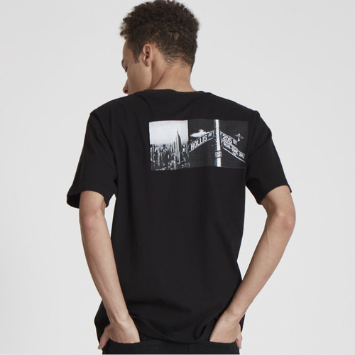 RUN DMC FACELESS GUY STRIPE BORDER TEE BK