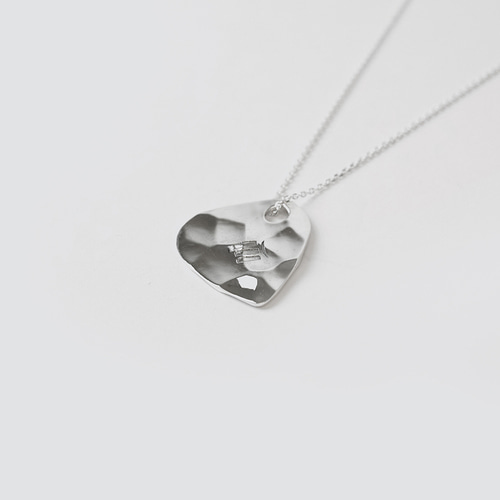 BLINDREASON Guitar Pick Necklace (BRENT1638)